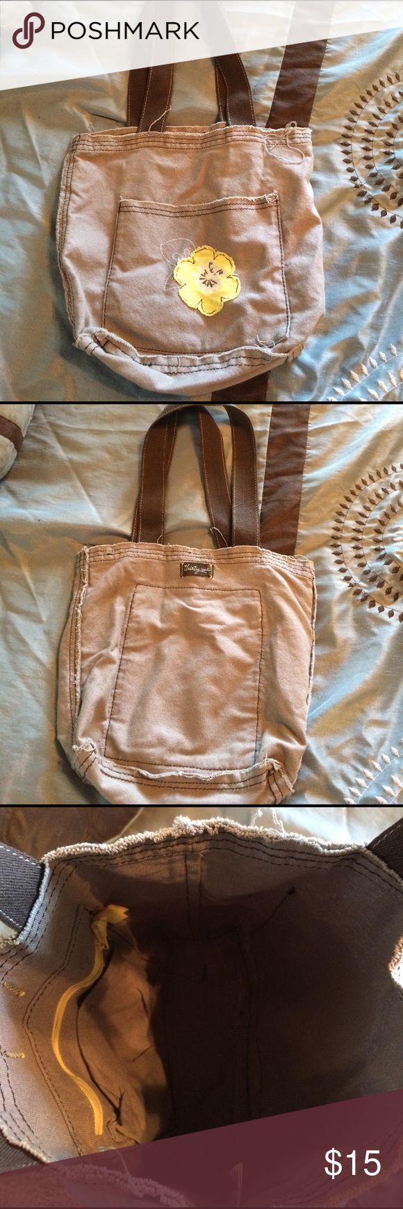 31 purse Fun handbag! Khaki is color with a fun yellow flower! thirty one Bags Hobos