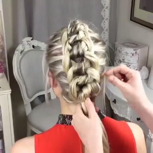 Vídeo By - Sweethearts Hair Design