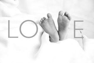Baby feet... LOVE.