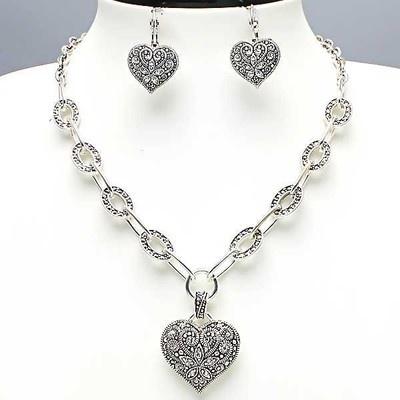 Elegant Silver Marcasite Look Love Heart pendant Decorative Chain Necklace Set