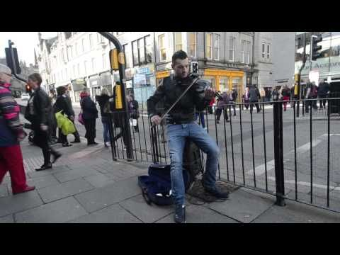 Romanian violinist busker becomes internet sensation in home country