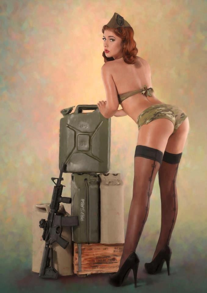 Naked redhead military girl — pic 1