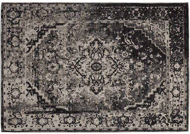 Un tappeto che rievoca tempi antichi, tutto avvolto da un alone di mistero, magia. Sembra uscito fuori da una fiaba che narra incantesimi e prodigi