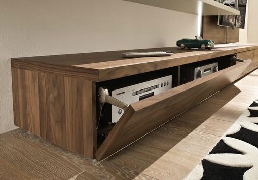 Tameta detail tv meubel in hout lade voor hifi for Hifi meubel
