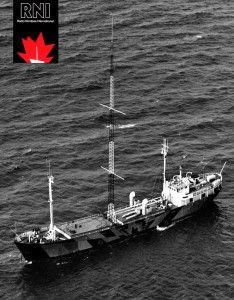 Het Radio Noordzeeschip, de Mebo II, een coaster met dazzle painting