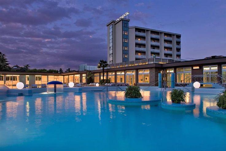 Il Continental Terme Hotel, situato a Montegrotto Terme, ai piedi dei Colli Euganei, è immerso in un'ampia area verde a due passi dal centro.