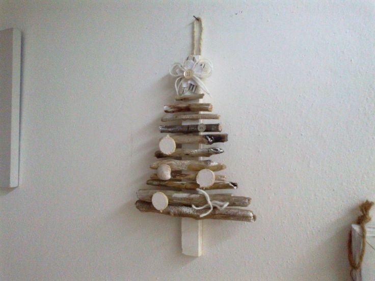 My works: albero di natale con legnetti