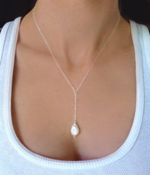 Hey, I found this really awesome Etsy listing at https://www.etsy.com/listing/190781407/pearl-lariat-necklace-freshwater-pearl