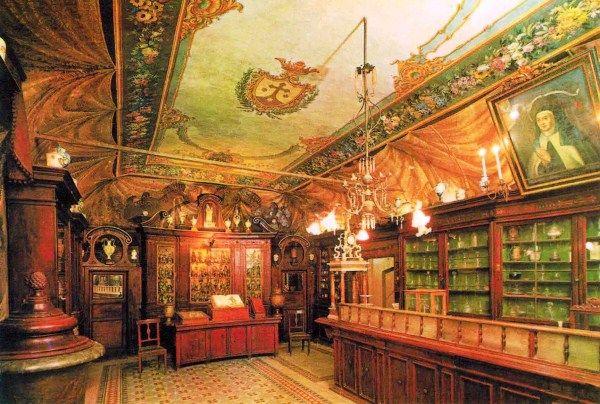 Antica Farmacia di S. Maria della Scala