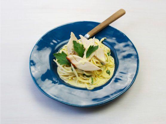 Grillet kylling med pasta og fløtesaus | Oppskrift | Meny.no