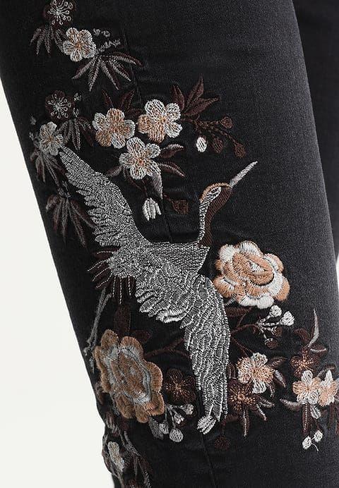 Cartoon Jeans Straight Leg - black denim - Zalando.de Für DIY Embroidery