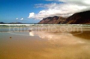 Caleta de Famara un lugar para el descanso en la isla de Lanzarote