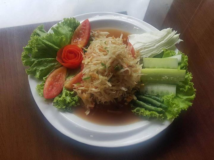 "Foodie တို့ေရ  Thai Food ေလးေတြက အရမ္းစားေကာင္းတယ္ဟုတ္ !! သန့္ရွင္းလတ္ဆတ္ျပီး အရသာလည္း အထူးေကာင္းမြန္တ့ဲ Amazig Thai Food Reastaurant န့ဲ မိတ္ဆက္ေပးခ်င္ပါတယ္ 😊 ရႈးရႈးရွဲရွဲ အရသာန့ဲ ယိုးဒယားသေဘၤာသီးေထာင္းကလည္း Foodie တို့ အၾကိဳက္ျဖစ္မွာပါ 😀 အျခားအရသာရွိတ့ဲ ေရြးခ်ယ္စရာ ဟင္းလ်ာေတြလည္း အမ်ားၾကီးရွိေသးတာမို့ Food2u မွတဆင့္ မွာယူျပီး ျမည္းစမ္းၾကည့္ရေအာင္ေနာ္ 😉  Hello Foodies !!! Thai Foods are really delicious & good ... right ??? Let me introduce ""Amazaing Thai Restaurant"" which has fresh…"