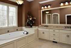 i love the cabinetry and panels on the tub. very cohesive