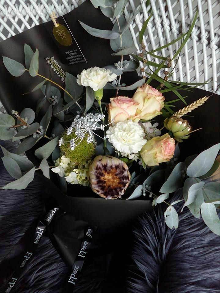 flower potts bouquet protea roses carnations gum eucalyptus black