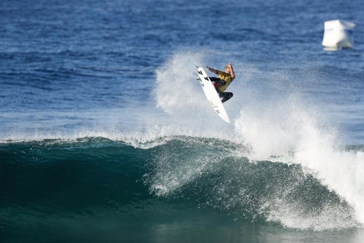 World Surf League: Oi Rio Pro Day 5, current World Champion John John Florence (HAW) and 6-time World Champion Stephanie Gilmore (AUS) were defeated in Round 3.