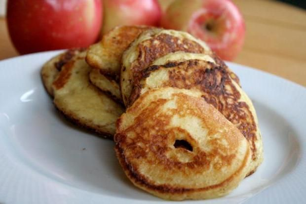 Apple Ring Pancakes - Apple slices dipped in pancake batter & cooked on the griddle with cinnamon & nutmeg. a much healthier way to get that Pancake Fix :)