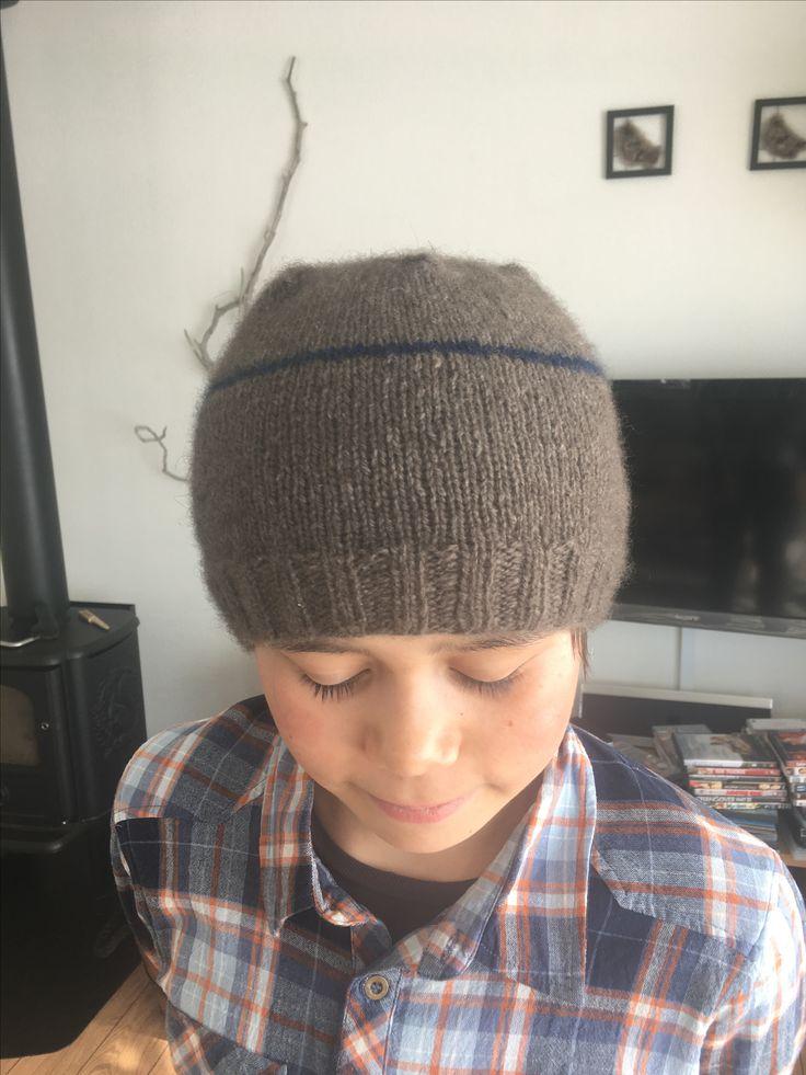 Min første strikkede hue i moskus uld 💙 Garn fra Niviarsiaq.gl