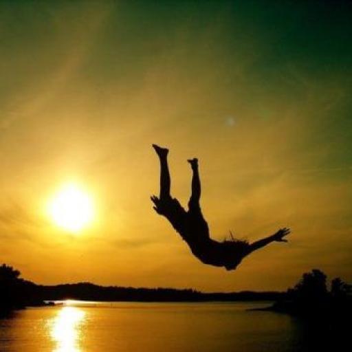 A veces para salir adelante hace falta dar un salto al vacío...  Una colección con imágenes para motivarte y alentarte a que aceptes los desafíos que se te presentan por más titánicos que parezcan. Para seguir progresando hay que avanzar hacia adelante, aunque a veces requiera mucho sacrificio y entrega. Recuerda: lo único que empiezan desde arriba son los pozos.  ¡Qué lo disfrutes! #acto de fe #consejos #fotos #frases #inspiracion #inspirarse #motivacion #motivarse #paisajes #saltos #saltos…