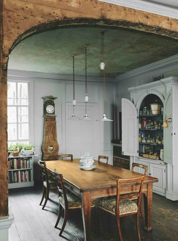 cabinet as pantry, British House and Garden