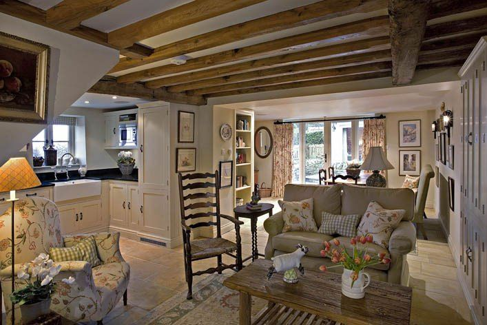 Love this small cottage. Open floor plan. Living small. Tiny house. Maar alles is wit (ingemaakte kasten) goed oplossing XXX