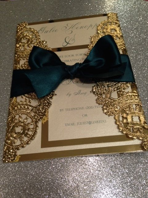 SAMPLE Metallic Doilies Wedding Invitation por InvitationsbyErin