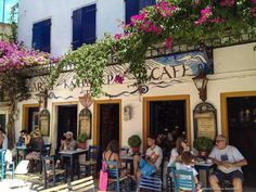 3 Tips for Solo Traveling in France! Start with visiting this cafe :)