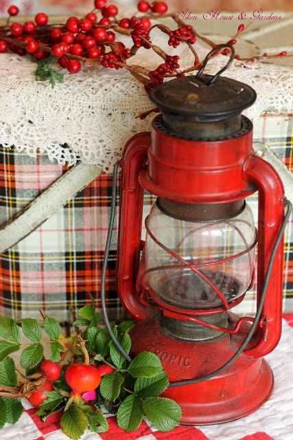 Vintage Plaid Picnic Box ~ Aiken House & Gardens cooler airstream camping red lantern