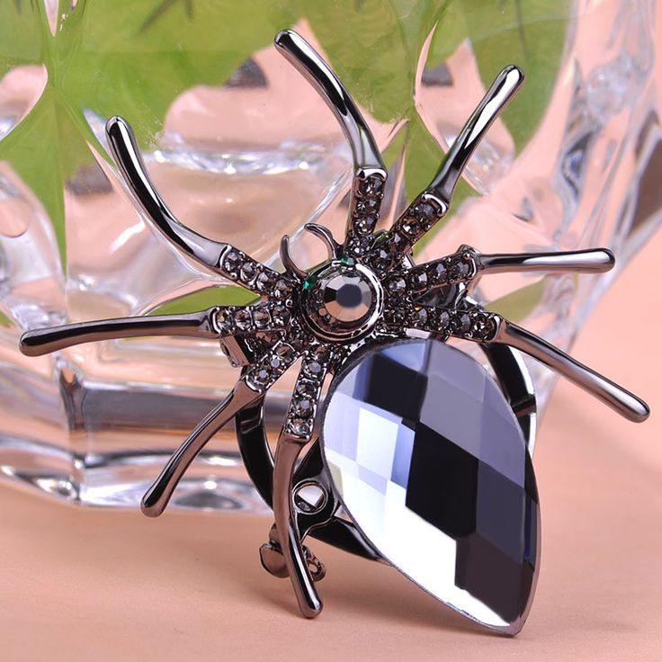 Gray Spider Brooch Steampunk Pin Fine or Fashion: Fashion Item Type: Brooches Gender: Women Style: Trendy Brooches Type: Brooches Material: Rhinestone Metals Type: Tin Alloy Shape\pattern: Animal Safe