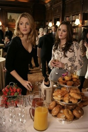 Host a Gossip Girl themed party... without the drama from The Bomb Shell Event Planner