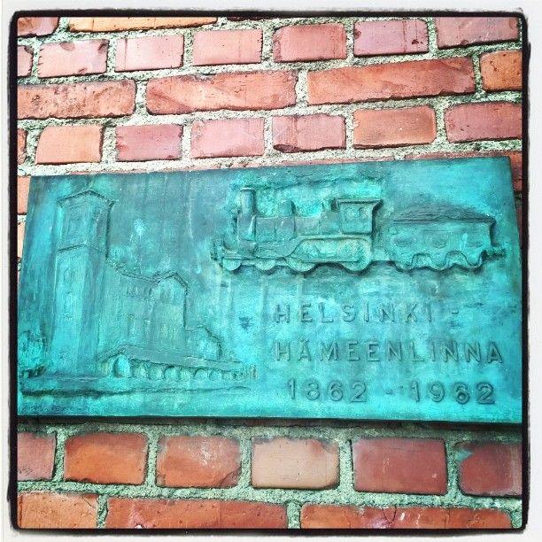 Helsinki - Hämeenlinna 1862 - 1962  - memorial relief describes old station building and train