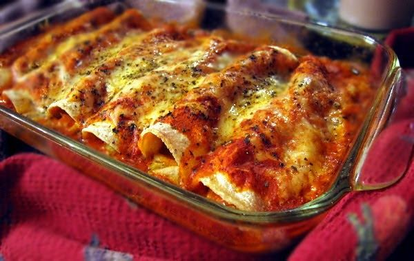 Enchilada To Tradycyjne Meksykanskie Danie Jest To Jeden Z Moich Ulubionych Przepisow A Przyg Enchilada Recipes Mexican Food Recipes Chicken Enchilada Recipe