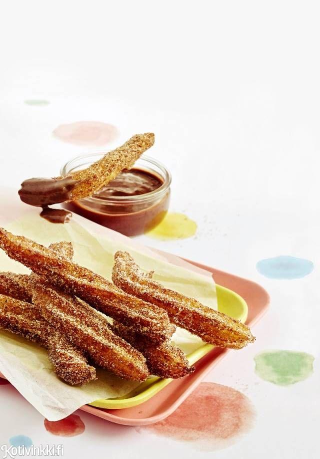 Churrot ja Nutelladippi | Kotivinkki Text: Raisa Laine Pic: Laura Riihelä #churro #churros #nutella