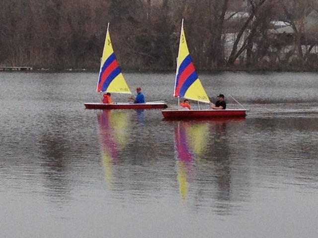 Austin Sailboat Rentals - Sailing Lady Bird Lake on easy to sail and operate dinghy sailboats.  Free lessons with every dinghy sailboat rental.