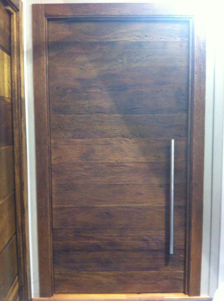 Porta de madeira de demolição Portalmad - Produzida com madeira naturalmente envelhecida pelo tempo, proveniente de construções antigas - Madeira utilizada: Peroba Rosa