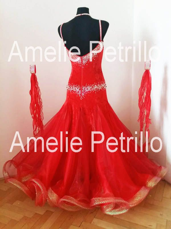 Amelie Petrillo - Fashion Designer