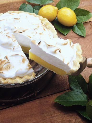 The tarte au citron meringuée