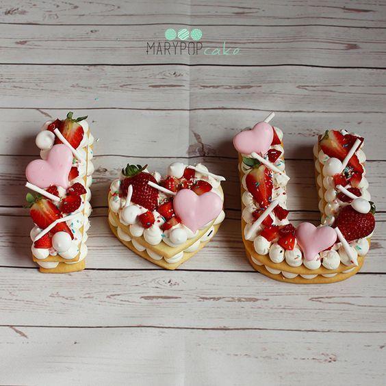 """La cream tart, o tarte à la crème dal francese """"crostata alla crema"""" è il tormentone del momento. Scopri come ottenere una tart perfetta!"""