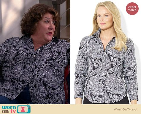 Carol's black paisley shirt on The Millers.  Outfit Details: http://wornontv.net/38724/ #TheMillers