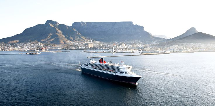 The magnificent ocean liner, Queen Mary 2 sailed into Table Bay Harbour on Thursday for a brief, two-day visit to the Mother City.