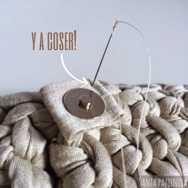 Santa Pazienzia: ¿Sabes poner un botón de imán en un bolso de trapillo? Tutorial foto a foto