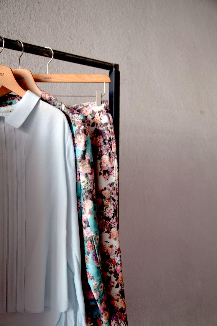 %50 indirim fırsatı ile çiçeklerin keyfini çıkarmanın tam zamanı  **Welcome some flowers into your closet this summer and enjoy 50% sale now! http://www.kayra.com.tr/p/4701/b4-19007-pantolon-bej
