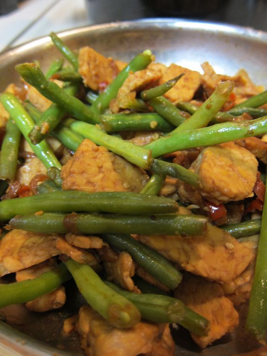 Tempeh with Green Beans (Indonesian flavor)