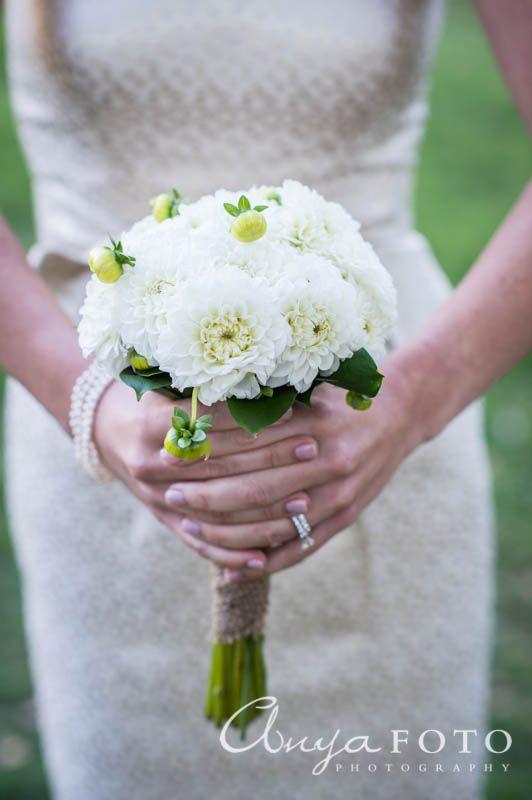 anyafoto.com, wedding bouquet, bridal bouquet, white bouquet, green bouquet, spring bouquet, mum bouquet