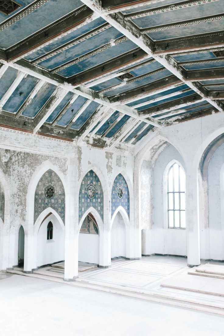 Bridal inspiration in an abandoned cathedral michigan