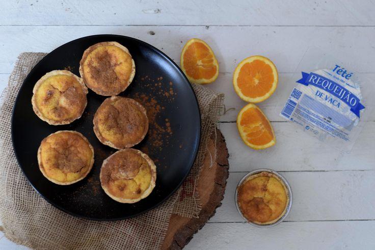 Receitas de Amélia Anastácio, utilizando produtos Tété: Queijadas de requeijão e laranja.