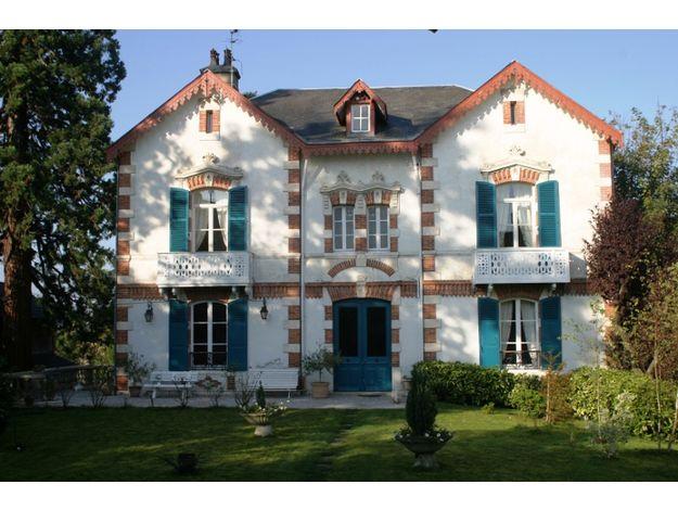 """Chambre d'hôte """"L'Oustal"""" située à Bourges, à partir de 85€/nuit pour 2 personnes - Cliquez sur l'image pour accéder à la fiche descriptive"""