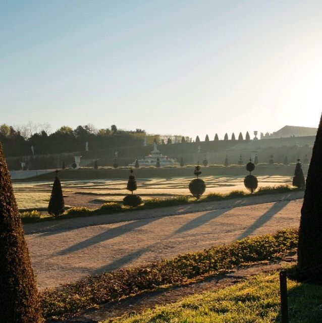 Already 5 Belle Époque Films Franco-American #films scheduled to be shot in #France in the coming 2 years! Here just next to the office: parterre de Latorre #chateau #versailles #shootinginfrance ☀️