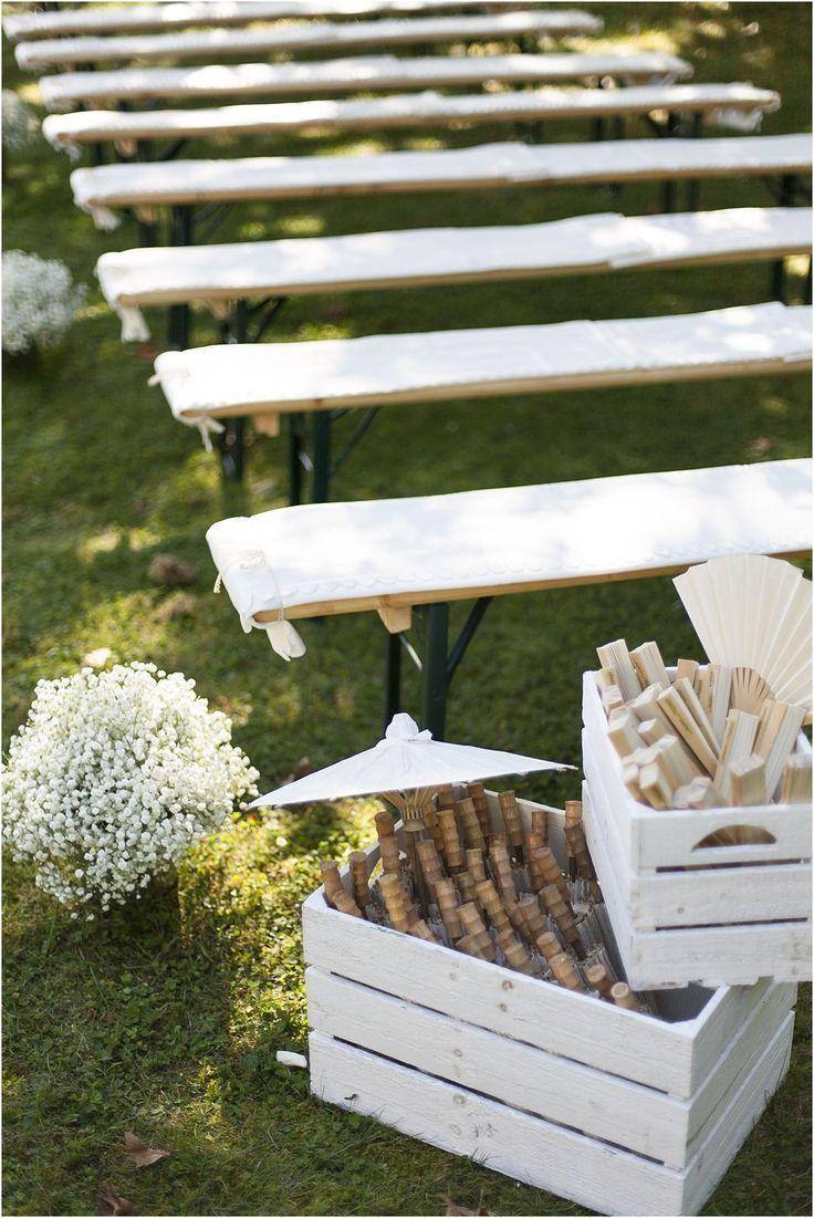 Dieses Dekorationskonzept Sticht Vor Allem Durch Die Blumen Hervor Sie Nehmen Fast Das Ganze Farbspektrum Au In 2020 Hochzeit Garten Dekoration Hochzeit Hochzeit Wald