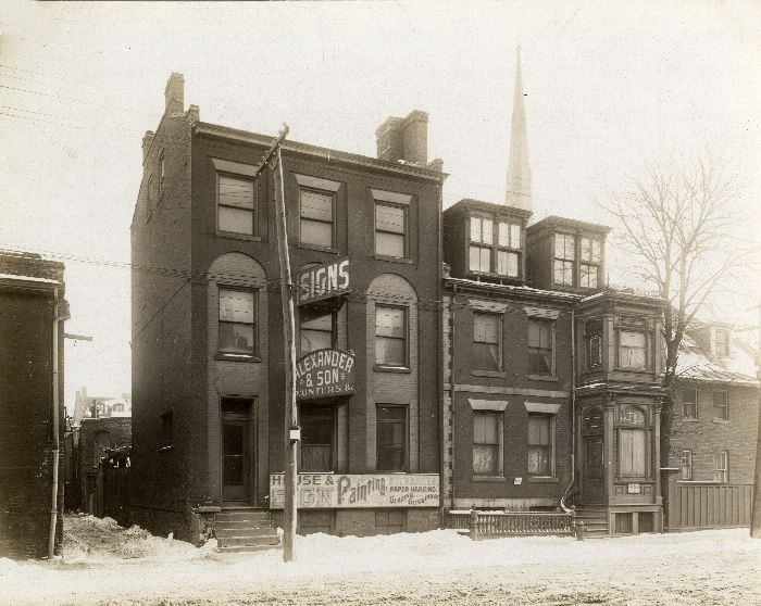 Adelaide St. E., s. side, w. of Market St.